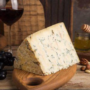 Сыр Стилтон дольче с голубой плесенью